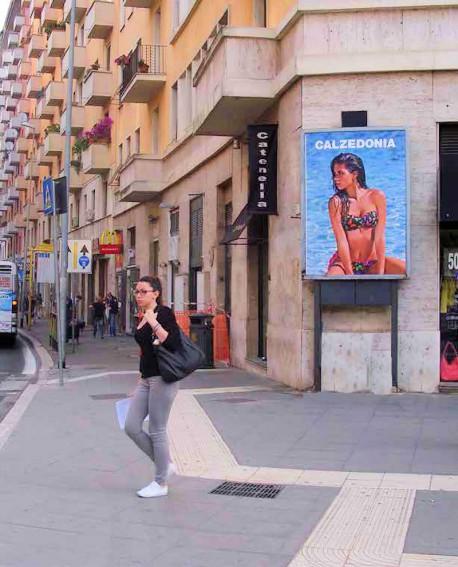 Centro Città Roma pubblicità n.25 impianti LUMINOSI 140x200cm outdoor per 14 giorni