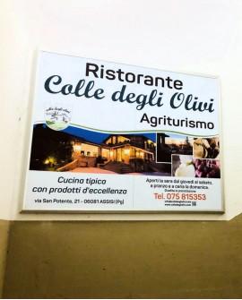 Galleria pedonale piazza Santa Chiara Assisi pubblicità cartello 150x120 indoor per 30 giorni Parcheggio Mojano Assisi - SABA