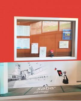 Galleria pedonale piazza Santa Chiara Assisi pubblicità cartello 276x95 indoor per 30 giorni Parcheggio Mojano Assisi - SABA