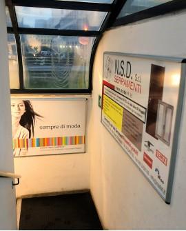 Cartello pubbicitario 100x70cm indoor per 30 giorni SCALA USCITA Parcheggio Foro Ulpiano Trieste - SABA