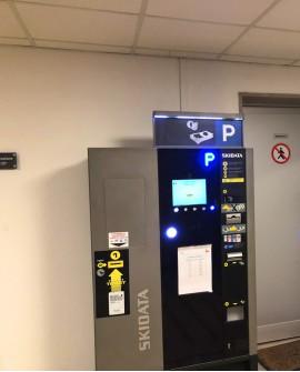 Biglietteria cartello pubbicitario 100x70cm indoor per 30 giorni SCALA USCITA Parcheggio Ospedale Maggiore Trieste - SABA