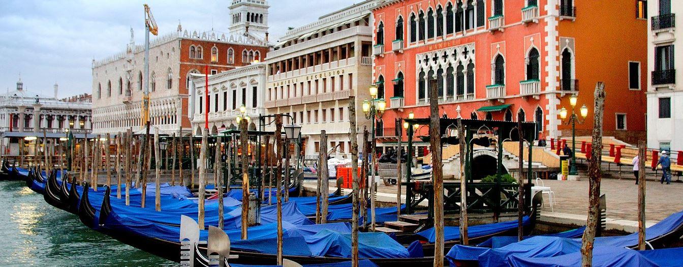 Venezia - Parcheggio Saba fronte stazione Mestre-Venezia - spazi pubblicitari affissioni vendita online